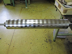 フィル用低トルクローラーφ120×700L